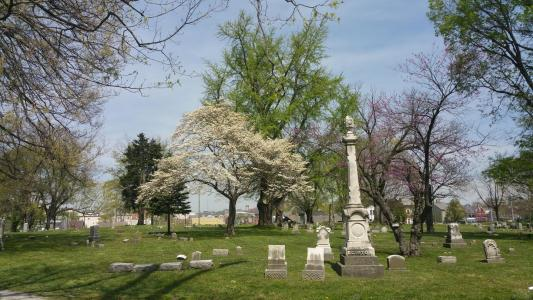 Historic Linden Grove Cemetery & Arboretum
