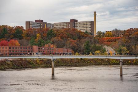 University of Wisconsin Eau Claire Arboretum - Fall tree colors