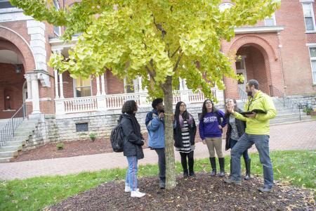 Agnes Scott Arboretum students
